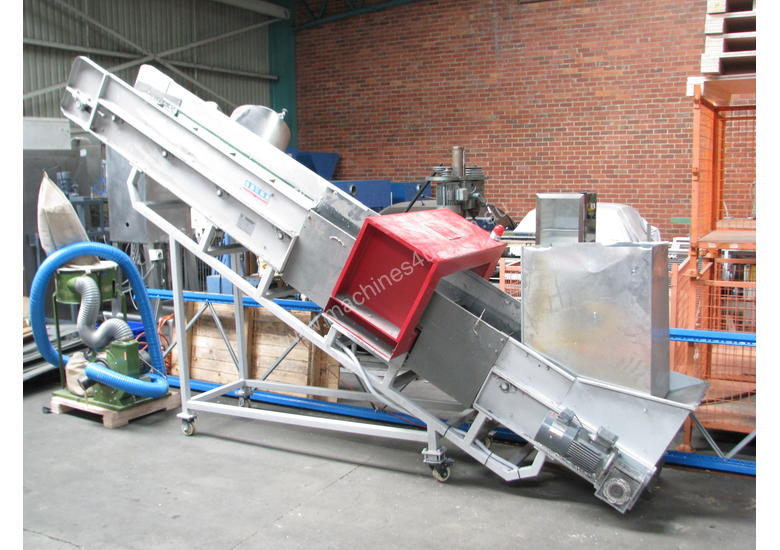 Large Incline Conveyor with Metal Detector - 5m