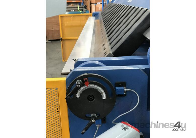 3200mm x 4mm Aussie Designed Heavy Duty Model - Calibrated Backgauge