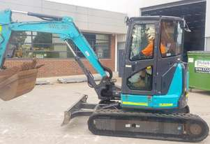USED AIRMAN AX48U EXCAVATOR WITH FULL A/C CABIN, HITCH AND BUCKETS