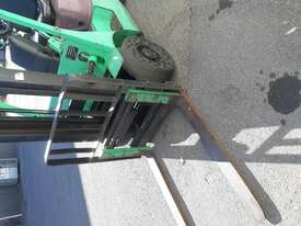 Cheap Mitsubishi 1.8t Forklift - picture0' - Click to enlarge