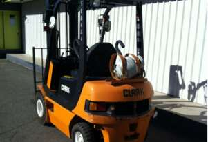Compact 2.0t LPG Clearview Mast CLARK Forklift