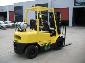 HYSTER H3.00DX LPG 3T with Container Mast - picture2' - Click to enlarge