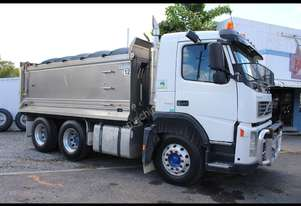 Volvo 2006   FM480 FOR SALE