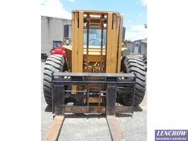 4WD Liftking Forklift Truck