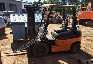 Toyota 2,5 tonne Forklift For Sale ** LPG Powered
