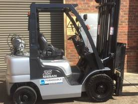 Nissan PL02A25 LPG / Petrol Counterbalance Forklif - picture0' - Click to enlarge