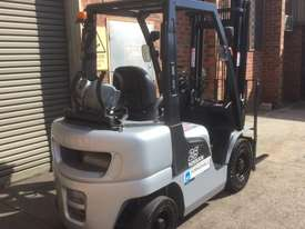 Nissan PL02A25 LPG / Petrol Counterbalance Forklift - picture1' - Click to enlarge