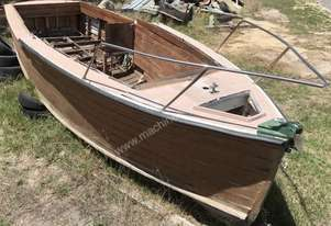 BOAT WOOD CABIN CRUISER/LAUNCH HULL