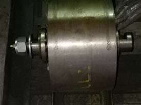 Trunnion Rollers - picture2' - Click to enlarge