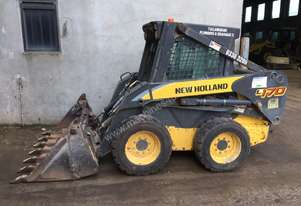 New Holland   L170 skidsteer