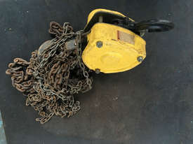 Chain Hoist 2 ton x 6 meter drop lifting Block and Tackle Tuffy - picture2' - Click to enlarge