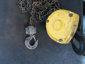 Chain Hoist 2 ton x 6 meter drop lifting Block and Tackle Tuffy - picture3' - Click to enlarge