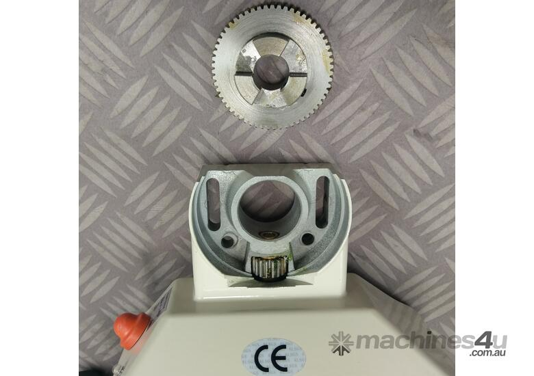 Power Table Feed Horizontal X Axis V99 Milling Drilling Lathe Machine