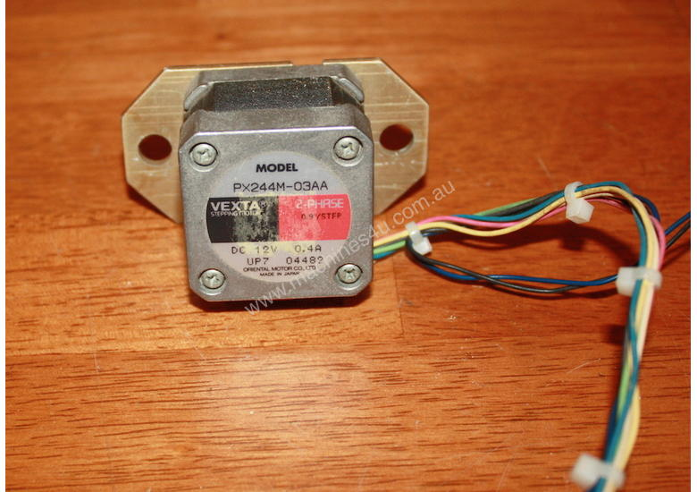 Vexta Stepper MMotor 2phase 0.9/step PX244M-03AA