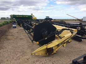New Holland TR89 Header(Combine) Harvester/Header - picture15' - Click to enlarge