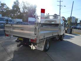 2011 Hino 300 SERIES 616 AUTO - picture4' - Click to enlarge