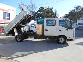 2011 Hino 300 SERIES 616 AUTO - picture8' - Click to enlarge