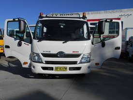 2011 Hino 300 SERIES 616 AUTO - picture13' - Click to enlarge