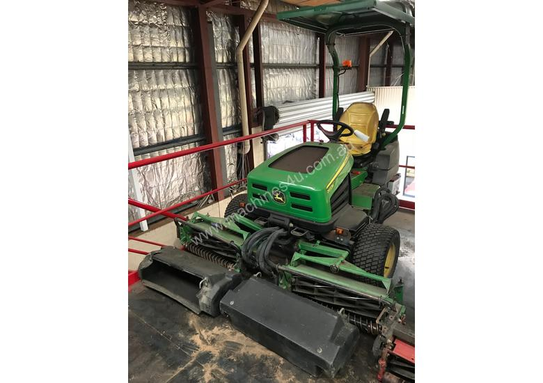 John Deere 2653B PrecisionCut Ride On Mower with Catchers