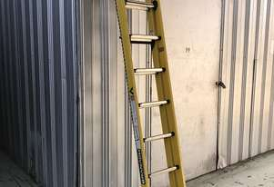 Branach Fiberglass Extension Ladder 2.7 / 3.9 Meter FED 4.0 Power Master