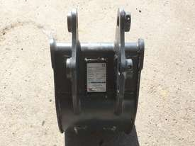 General Purpose with Teeth 300mm Bucket-GP Attachments - picture4' - Click to enlarge