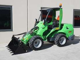 Avant 745 Wheel Loader W/ 4 in 1 Bucket - picture6' - Click to enlarge