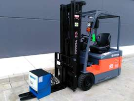 TOYOTA Economy 1.8 Tonne Counterbalance Electric Container Forklift  - picture1' - Click to enlarge