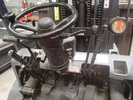 FORKLIFT Toyota, near new in excellent condition - picture2' - Click to enlarge