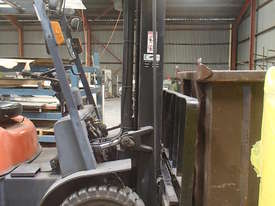 FORKLIFT Toyota, near new in excellent condition - picture3' - Click to enlarge