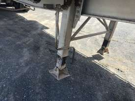 Barker Semi Flat top Trailer - picture2' - Click to enlarge