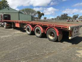 Barker Semi Flat top Trailer - picture13' - Click to enlarge