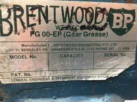 Brentwood shredder - picture4' - Click to enlarge