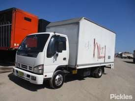 2005 Isuzu NPR 200 - picture1' - Click to enlarge