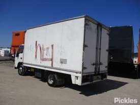 2005 Isuzu NPR 200 - picture2' - Click to enlarge