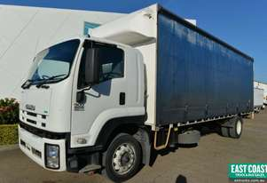 2011 ISUZU FTR900 LONG Tautliner