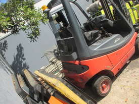 1.6 ton Linde Container Mast Used Forklift - picture2' - Click to enlarge