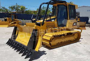 Caterpillar D5G Bulldozer Stick rake fitted DOZCATG