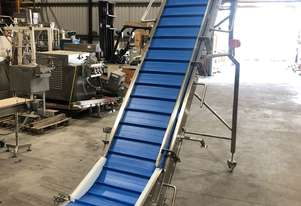 CONTECH ENGINEERING Cleated Conveyor