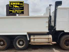 1985 Volvo N12 Tipper, has had full service.  TS474A - picture0' - Click to enlarge