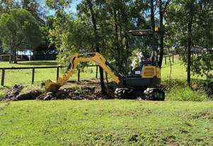 Yanmar Powered Carter CT16 Mini Excavator With 3 Buckets, a Ripper and Hydraulic Hitch