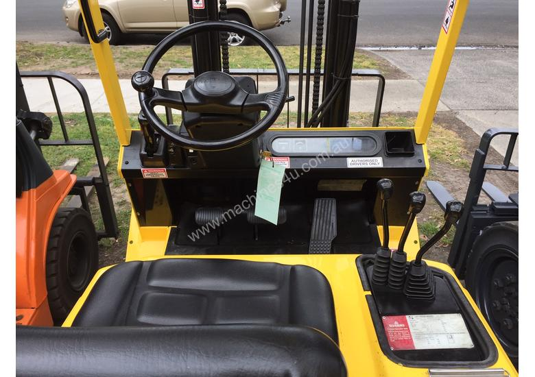 HYSTER H2.5 DX Counterbalance Forklift with Side-shift Refurbished & Repainted