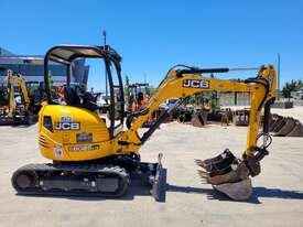 2018 JCB 8025 ZTS 2.6T MINI EXCAVATOR WITH HYD HITCH, 3 BUCKETS, RIPPER AND 250 HRS. - picture2' - Click to enlarge