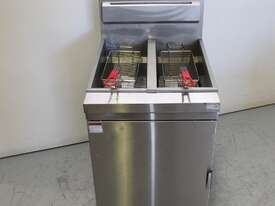FED RC400TE Split Pan Fryer - picture0' - Click to enlarge