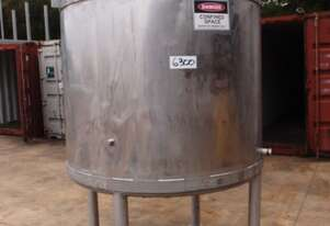 Stainless Steel Mixing Tank (Vertical), Capacity: 2,000Lt