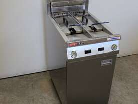 Austheat AF822 Double Pan Fryer - picture0' - Click to enlarge