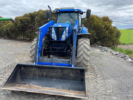 New Holland T7.220 FWA/4WD Tractor - picture1' - Click to enlarge