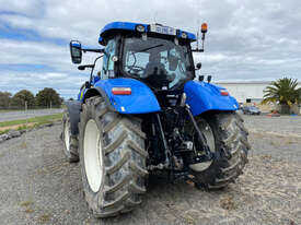 New Holland T7.220 FWA/4WD Tractor - picture2' - Click to enlarge