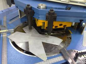 MACHTECH 4-200A VARIABLE ANGLE HYDRAULIC NOTCHER - picture1' - Click to enlarge