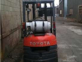 Toyota 6FG18 Forklift - picture5' - Click to enlarge