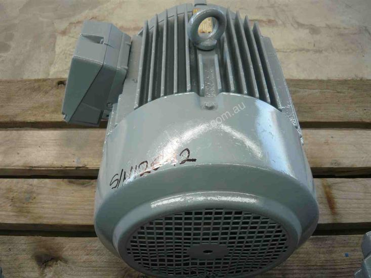WESTERN ELECTRIC 7.5HP 3 PHASE ELECTRIC MOTOR/ 145